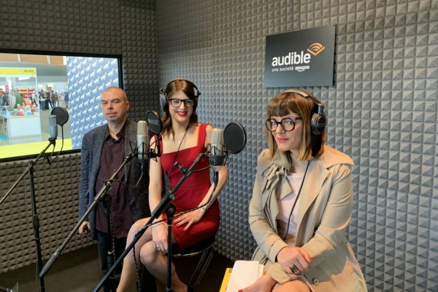 La cabina di registrazione di Audible, gestita da Keymotions presso il Salone Internazionale di Torino. Durante la manifestazione, Audible ha dato la possibilità a chiunque di provare a creare un audiolibro.